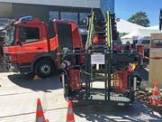 Das Feuerwehrauto mit Leiter und Korb (Bild: Fabienne Mühlemann/Luzerner Zeitung, 31. Mai 2019)