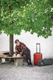 Die Basler Komponistin Helena Winkelman komponiert gerne unter Bäumen. (Bild: Reto Martin)
