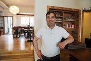 Von St.Moriz nach Rorschach: Der 45-jährige Sevket Bartamay wirkt ab heute im Restaurant «Kornhausstube». Gutbürgerliche Schweizer Küche steht nach wie vor auf der Menükarte. (Bild: Jolanda Riedener)