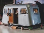 Der Oldtimer-Wohnwagen, «Model C Travelodge» des Automobilherstellers Pierce-Arrow ging hat bei einer Auktion in den USA für 40'000 Dollar an einen neuen Besitzer. (Bild: RM Sotheby's)