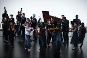 Die Geneva Camerata mit «Dance of the Sun» im Theater Casino Zug. (Bild: Maria Schmid, 4. Mai 2019)