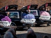 Zwei Wochen nach den Terroranschlägen in Sri Lanka hat die Familie der drei Todesopfer aus Dänemark Abschied von den getöteten Kindern genommen. (Bild: KEYSTONE/EPA RITZAU SCANPIX/MADS CLAUS RASMUSSEN)