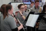 Die Jugendmusik der Seegemeinden bei ihrer Vorführung. (Bild: Roger Zbinden, Luzern, 4. Mai 2019)