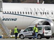 Der Boeing-Konzern räumt ein, viel früher vor zwei Flugzeugabstürzen von Problemen mit den Unfall-Maschinen gewusst zu haben. (Bild: KEYSTONE/AP/TED S. WARREN)