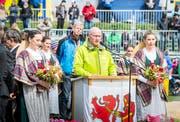 OK-Präsident spricht während des offiziellen Festakts zur Festgemeinde. (Bild: Andrea Stalder)