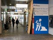Der Eingang zur Kasse und zum Lift wird ebenerdig. (Bild: PD)