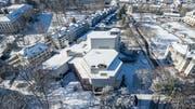 Das Gebäudes des Theaters St.Gallen im Stadtpark. Es wird in den nächsten Jahren grundlegend saniert. Rechts davon ist die Tonhalle zu erkennen. (Bild: Hanspeter Schiess - 13. Februar 2018)