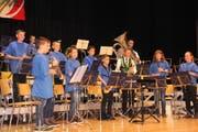 Die «JungMosligkanten» spielten unter der Leitung von Christian Fust. (Bild: Cecilia Hess-Lombriser)