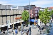 Nach der Ausstellung Art Garden soll bald schon eine Gewerbeausstellung Fussgänger in die Obere Bahnhofstrasse locken. (Bild: Tobias Söldi)