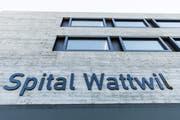 Im Spital Wattwil werden ab dem 1.November 2019 keine Operationen mehr durchgeführt. (Bild: Mareycke Frehner)