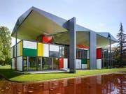 Nach seiner Instandsetzung ist der Pavillon Le Corbusier in Zürich ab Samstag wieder für Besucherinnen und Besucher geöffnet. (Bild: KEYSTONE/CHRISTIAN BEUTLER)