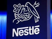 Im Zuge der Umstellung des Liefersystems von Pizza und Eiscreme in den USA streicht Nestlé in diesem Jahr laut einem Medienbericht 4'000 Stellen. (Bild: KEYSTONE/JEAN-CHRISTOPHE BOTT)