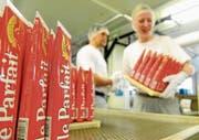 Für den bisher in Basel hergestellten Brotaufstrich Le Parfait sucht Nestlé einen Käufer. (Bild: Melanie Duchene/Keystone (11. November 2009))