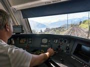 Die BLS wird nun doch nicht Interregio-Züge von Bern nach Biel und nach Olten einsetzen. (Bild: KEYSTONE/CHRISTIAN BEUTLER)