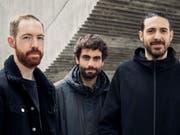Die Gewinner des diesjährigen ZKB Jazzpreises (von Links): Schlagzeuger Arthur Hnatek, Bassist Fabien Iannone und Saxofonist Francesco Geminiani. (Bild: Moods/Sebastian Wagner)
