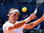 Roger Federer überstand in Madrid den ersten Härtetest (Bild: KEYSTONE/EPA EFE/FERNANDO VILLAR)