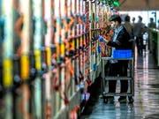 Die USA erheben zusätzliche Zölle auf Waren aus China. (Bild: KEYSTONE/EPA/ALEKSANDAR PLAVEVSKI)