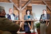 Paul Winiker (links), Korintha Bärtsch und Marcel Schwerzmann am von unserer Zeitung organisierten Podiumsgespräch an der Luga. (Bild: Jakob Ineichen, 4. Mai 2019)
