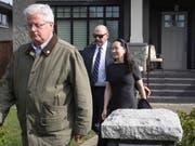 Die Finanzchefin von Huawei Meng Wanzhou am Mittwoch auf dem Weg zum Gericht in Kanada. (Bild: KEYSTONE/AP The Canadian Press/DARRYL DYCK)