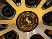 Der Reifenhersteller Continental war im ersten Quartal unter Druck. (Bild: KEYSTONE/EPA/FOCKE STRANGMANN)