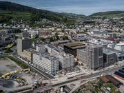 Links die Überbauung Mattenhof von Mobimo, rechts Matteo von einer Anlagestiftung der Credit Suisse. Bild: Pius Amrein (25. April 2019).
