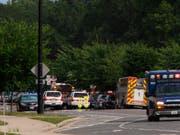 Bei einer Schiesserei in den USA sind am Freitag (Ortszeit) mehrere Menschen ums Leben gekommen. (Bild: KEYSTONE/AP The Virginian-Pilot/KAITLIN MCKEOWN)
