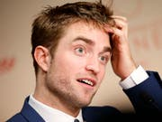 Der 33-jährige Schauspieler Robert Pattinson soll der neue Darsteller von «Batman» werden. (Bild: KEYSTONE/EPA POOL/SEBASTIEN NOGIER / POOL)