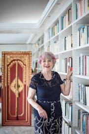Schriftstellerin Margrit Schriber in ihrer Wohnung: «Das erste Exemplar meines ersten Buches habe ich auf den Flügel gelegt und dann den ganzen Tag angeschaut.» (Bild: Pius Amrein, Zofingen, 27. Mai 2019)