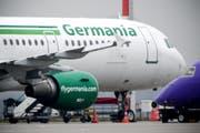 Die Germania Airline. (Bild: EPA/SASCHA STEINBACH)