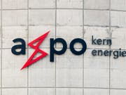Der Energiekonzern Axpo kann noch nicht von den anziehenden Strompreisen profitieren. Denn erst im kommenden Jahr laufen die aktuellen Absicherungsgeschäfte von 2016 aus. (Bild: KEYSTONE/ENNIO LEANZA)