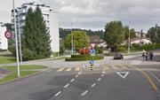 Blick auf die Schlösslistrasse mit Kreisel. (Bild: Google Streetview)