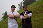 Matthias Herger (links) holte auf dem Stoos seinen vierten Saisonkranz und Stefan Arnold den 30. Kranz seiner gesamten Karriere. (Bild: PD)