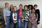Sie moderieren in Uri; von links: Fatma Cosarpinar, Myrvete Sheholli, Simone Abegg, Carla dos Santos, Kaoutar Zgraggen, Akberet Mehari, Vijitha Baskaram und Yvette Zurfluh (es fehlt Sonia Mohammadi). (Bild: PD)