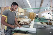 Flüchtling Dejen Tadese arbeitet bei der Gawo Gasser AG in Wolhusen und fängt bald eine Lehre an. (Bild: Boris Bürgisser, Wolhusen, 4.Juni 2019)