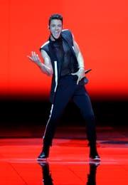 Luca Hänni beim Auftritt am Eurovision Song Contest. Er wird nun die Musik zum Herisauer Film beisteuern. (Bild: EPA/ABIR SULTAN)