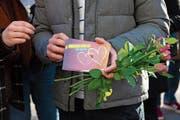 Die Ehe für alle wird auf Bundesebene geregelt. Momentan läuft die Vernehmlassung. (Bild: Symbolbild: Anthony Anex/Keystone)