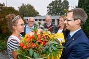 Nach ihrer Wahl zur Apfelkönigin wurde Melanie Maurer vom Gemeinderat in Sulgen empfangen. (Bild: Donato Caspari)