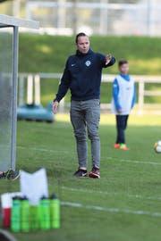Roland Widmer als Trainer von Zug 94. (Bild: Roger Zbinden, Zug, 23. September 2017)