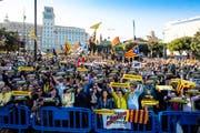 Demonstranten in Barcelona. (Bild: EPA/Enric Fontcuberta, 12. Juni 2019)