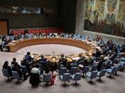 Der Uno-Sicherheitsrat hat die Gewalt im Sudan verurteilt und rief am Dienstag die Konfliktparteien zu einer Lösungssuche im Machtkampf auf. (Bild: KEYSTONE/AP/BEBETO MATTHEWS)