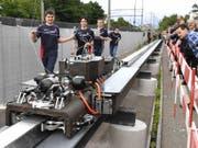 Testfahrt des Swissloop Pod auf dem Gelände der Empa in Dübendorf am Mittwoch. (Bild: Keystone/WALTER BIERI)