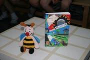Die Biene Sumsi als Maskottchen zum Buch.