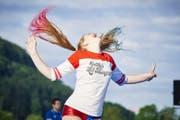 Das Eidgenössische hat begonnen: Seit Donnerstagmorgen führen die Turnerinnen und Turner akrobatische Sprünge, elegante Pirouetten und kraftvolle Hebefiguren auf dem Festgelände vor.