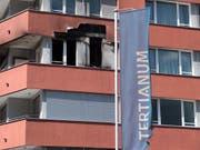 In einer Wohnung des Alters-Wohnzentrums Tertianum in Bellinzona hat es gebrannt. Eine Frau wurde lebensgefährlich verletzt. (Bild: Keystone / Ti-Press / Davide Agosta)