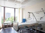 Das Bundesgericht hat Krankenkassen bei der Berechnung des Spitalkostenbeitrags in die Schranken gewiesen. (Bild: KEYSTONE/ENNIO LEANZA)