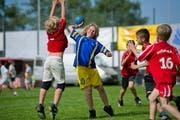 Am Wochenende kämpfen beim Fides-Schülerturnier in der Halden 1200 Schülerinnen und Schüler aus Stadt und Region St.Gallen um Punkte und Plätze. (Bild: Coralie Wenger - 10. Juni 2013)