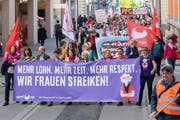 Die 1.-Mai-Kundgebung war in diesem Jahr auch in der Stadt St.Gallen eine Art Generalprobe für den Frauenstreik vom 14. Juni. (Bild: Urs Bucher - 1. Mai 2019)