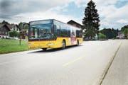 Ein Postauto unterwegs in St.Jakob. (Bild: Jakob Ineichen, Ennetmoos, 12. Juni 2019)