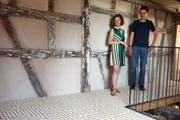 Judit Villiger und Künstler Othmar Eder im Haus zur Glocke.