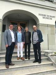 Vereinspräsident Norbert Näf mit den künftigen Co-Leiterinnen des Henry-Dunant-Museums Heiden Nadine Schneider und Kaba Rössler sowie Vizepräsident Andreas Ennulat. (Foto: PD)